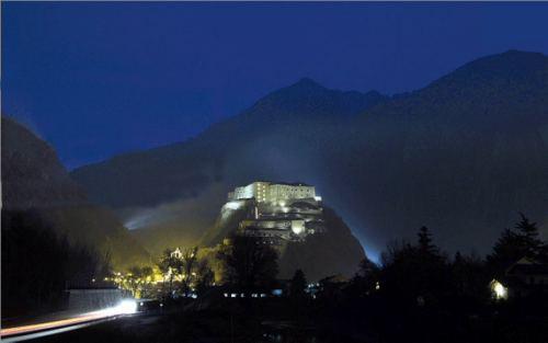 Castello di Bard, visione notturna