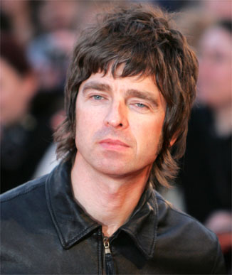 Noel Gallagher steso da un fan