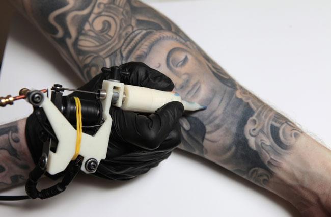 macchinario-tatuaggi