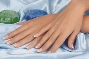 bellezza di mani e unghie
